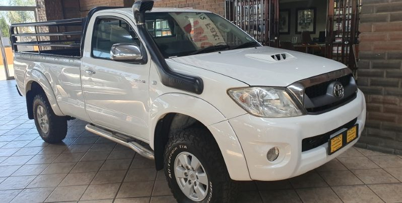 2010 Toyota Hilux 3.0 D4d 4X4 Lwb for sale in Witbank full
