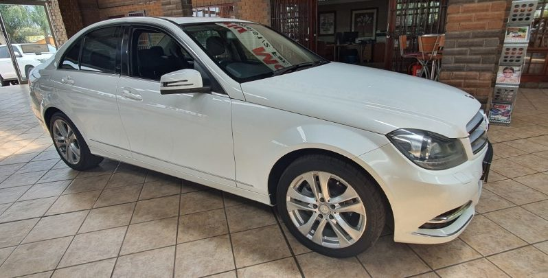 2014 Mercedes Benz C180 BE Classic A/T for sale in Witbank full