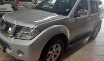 2015 Nissan Pathfinder 2.5 DCI SE A/T 4X4 for sale in Witbank full